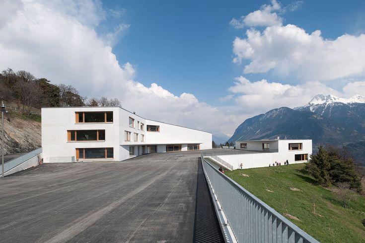Frei & Rezakhanlou architectes, Thomas Jantscher, Jean-Michel Landecy · School complex in Chermignon