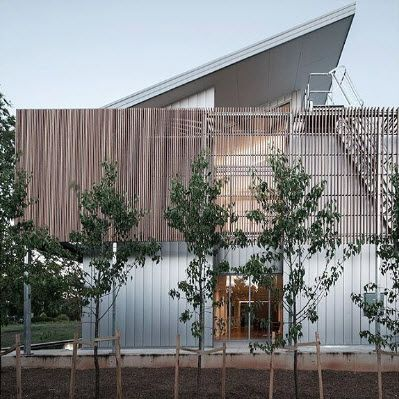 Project: Netherlands Embassy, Canberra || Solution: Customised facade || Material: Pvdf coated Aluminium, Silver in V25 cassette system @CraftMetals || Architect: Rudy Uytenhaak | Philip Leeson Architects || Installer: Bay and Coast Metal Roofing