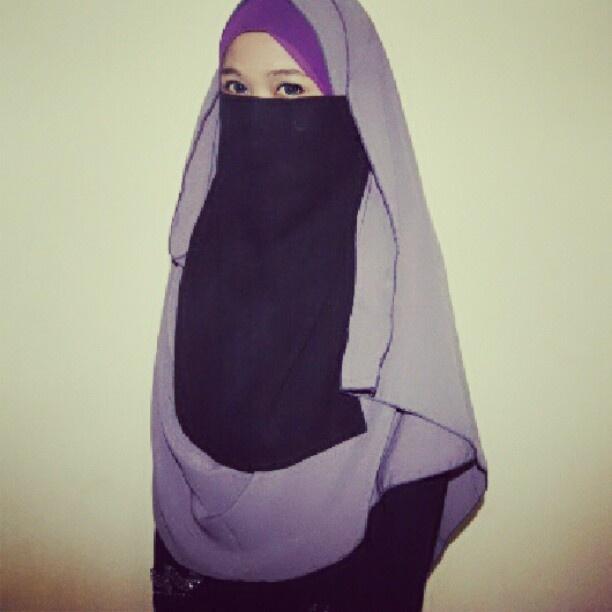 True Hijab | Syar'i | Photo by maera_ismail