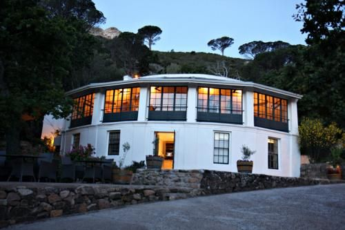 Restaurants - Western Cape - Atlantic Seaboard - Camps Bay - The Roundhouse & Rumbullion Restaurant