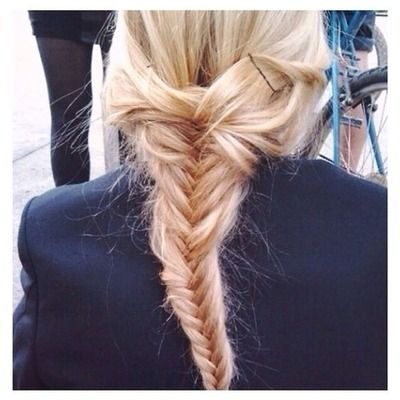 fishtail single girls The style mixes a loose fishtail braid with random twists for a  and a gorgeous  flower crown would make any boho girl's dreams come true.