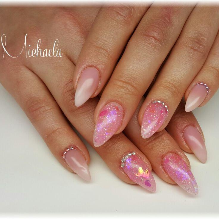 Babyboomer,  pink glitter nails