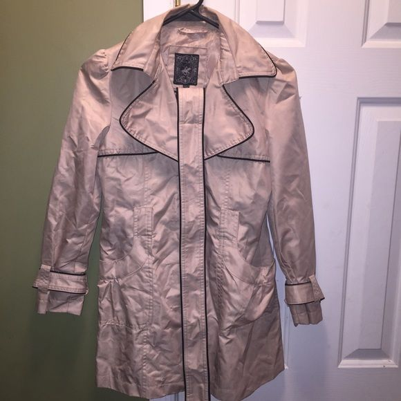 Little Girl trench coat Trench Coat Jackets & Coats