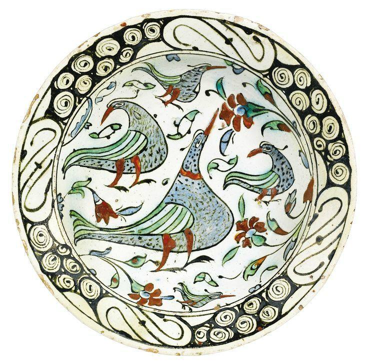 An Iznik polychrome pottery dish with birds, Turkey, circa 1600