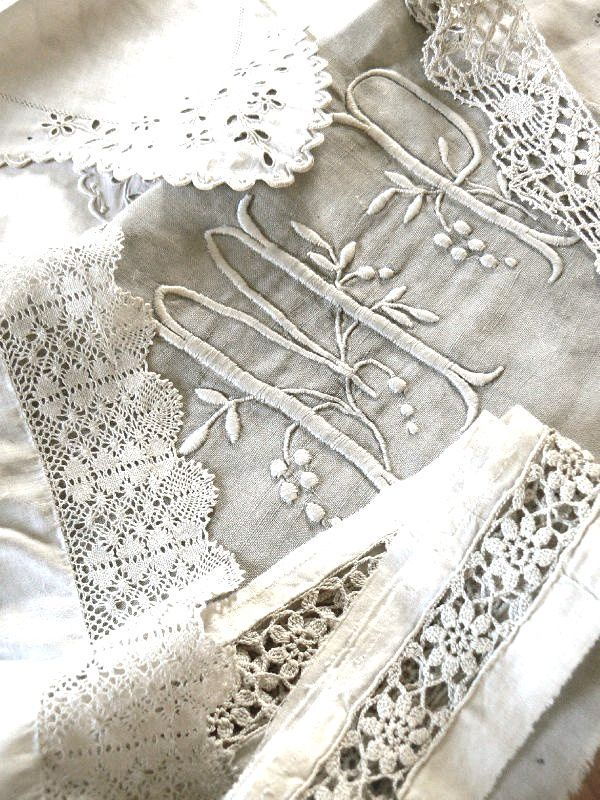 umla: (via Antique linen… | ♥Antique&White♥)