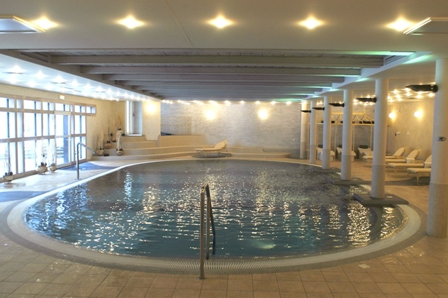 SPA & Wellness: The five-star luxurious Dwór Oliwski Hotel lies at the very heart of Tri-City, at the historical district of Gdańsk