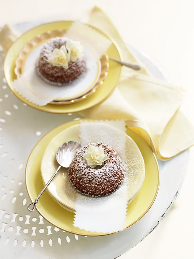 honey and gingerbread bundt cakes from donna hay