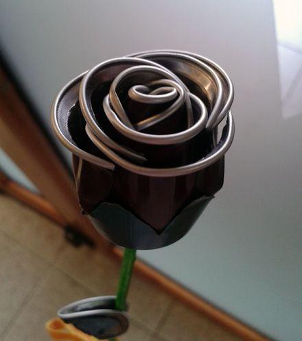 Rosa feta amb càpsula de cafè Nespresso