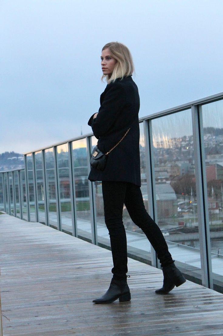 Tine Andrea // fashioneaters // all black chic