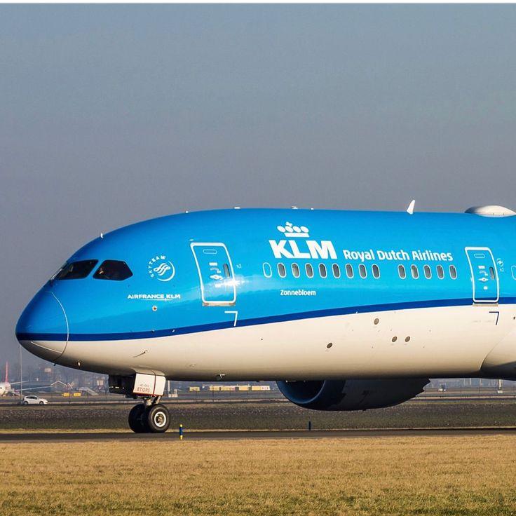 Beautiful Boeing 787 Dreamliner KLM #boeing #787 #dreamliner #klm #airplane #pilot #plane #mechanic #aviation #avion #photo #photography #airport #travel #adventure #fly #feel #free #aviationmechanic