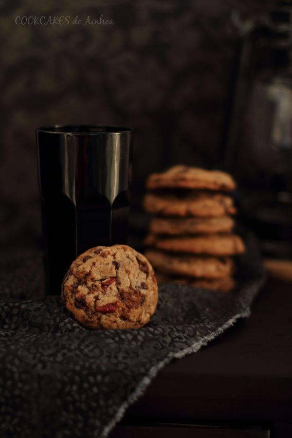 Cookies de chocolate, toffee y nueces pacanas  - Cookcakes de Ainhoa