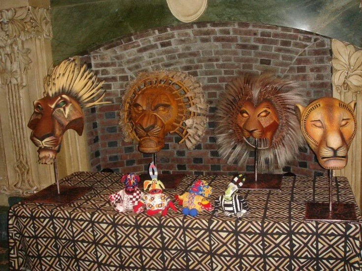 Wow!  All four...Scar, Mufasa, Simba and Nala...oh, to have thousands and thousands of dollars to put into masks!