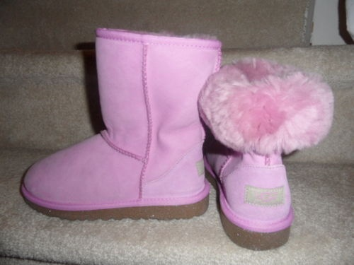 pink uggs.. I have these! Gotta love Nordstrom rack!