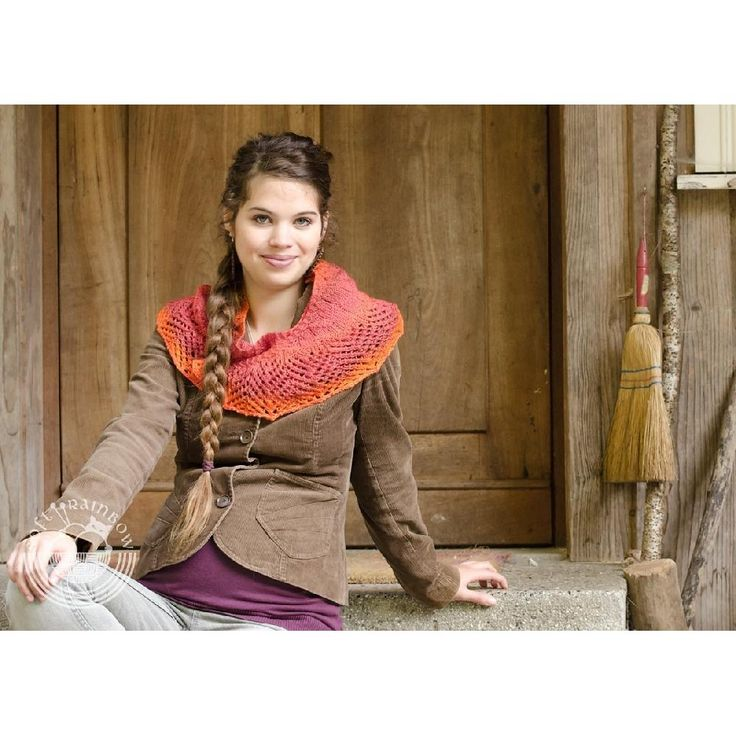This is a really simple and flexible pattern. You can use any yarn weight, there are no instructions for yarn weight or yardage: use the yarn you want to and follow the instructions to get a decent size shawl. Its size is highly adjustable, only depends on your needs and purposes. The shawl shows the beauty of a long color changing yarn, but you can use solid yarns too . Make the body and the border contrasting, or keep everything in tone.SUGGESTED YARNS Use anything that you have in stash…