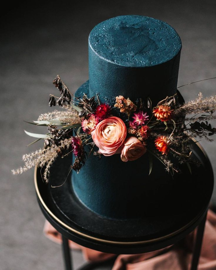 Pretty Wedding Cakes To Inspire You - Fabmood Wedding Colors, Wedding Themes, Wedding color palettes