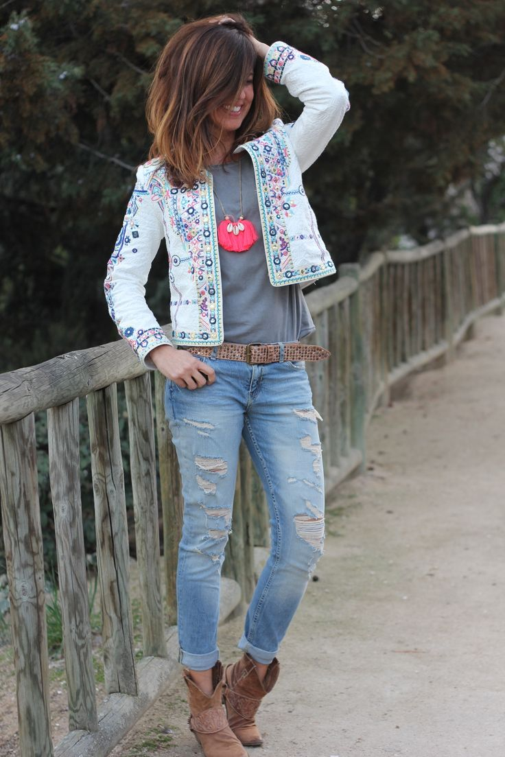 The cuff jeans with the booties love this style! #denim #jeans #booties