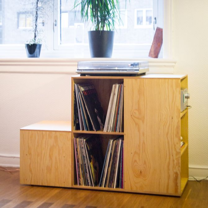 Plywood LP-shelf