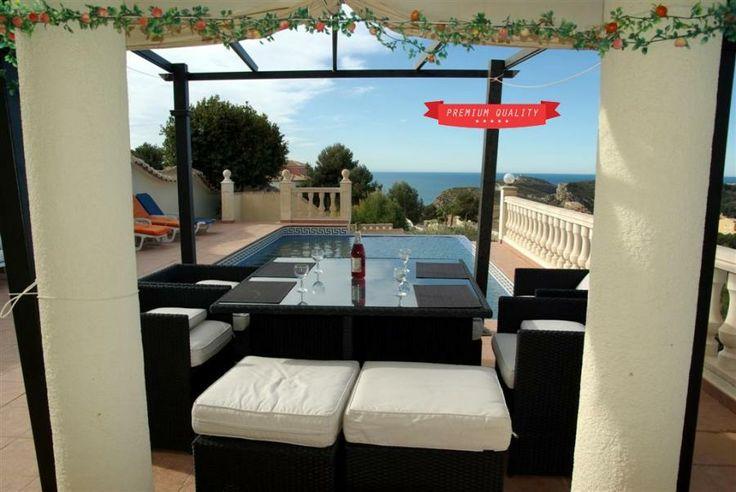 Alquila esta casa para 8 personas para las vacaciones de toda la familia http://alquileresbenitachell.com/fichainmueble.php?lang=es&country=ESP&om=D&ref=CASA+BRENDA