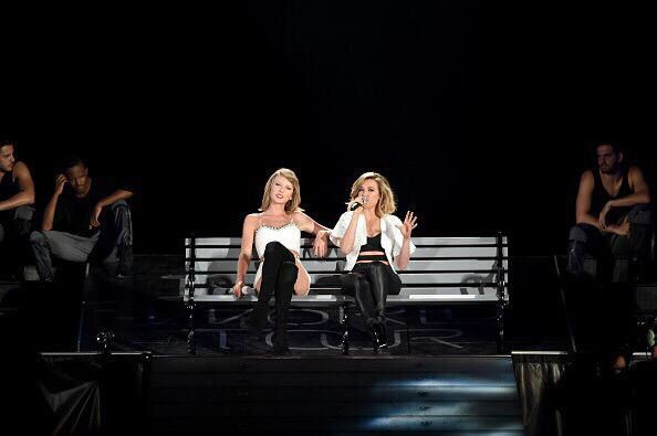 "Taylor Swift with guest, Rachel Platten, singing ""Fight Song"" // 1989 Tour: Philly (night 2)"