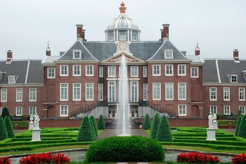 Huis ten Bosch Palace - is the official royal palace of Queen Beatrix of Netherlands