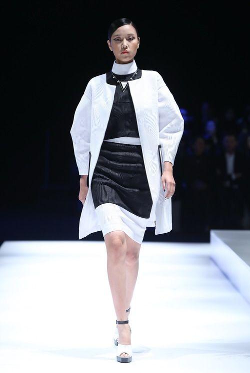 White Collar Collection/Mercedes Benz China Fashion Week