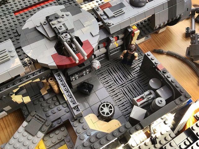 WIP Falcon - Progress on the Interior | por Kit Bricksto
