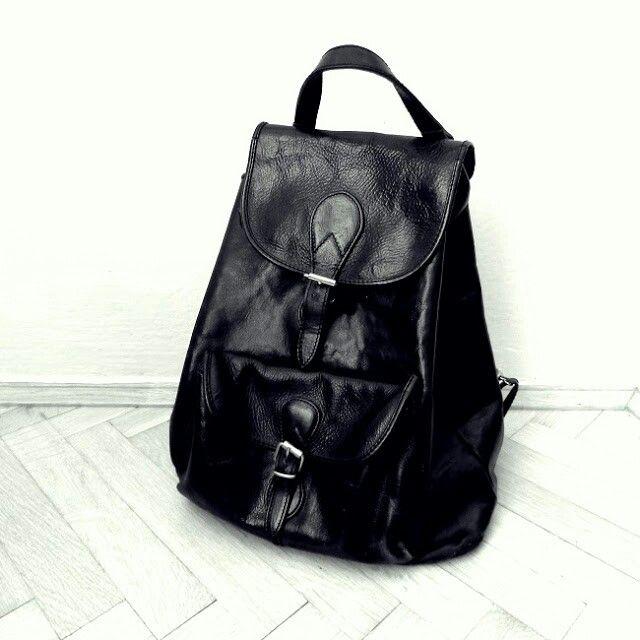 Leather vintage rucksack  hardrockrepublica.blogspot.com