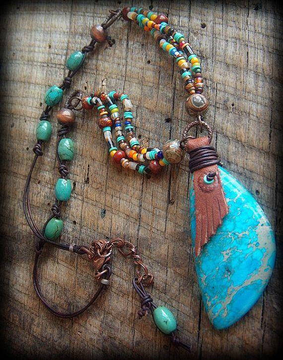 Jaspe turquesa cuentas africanas y cristal collar de por YuccaBloom