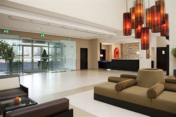 Cheap hotels in Dubai – Find the best Dubai hotel deals #cameron #house #hotel http://hotels.remmont.com/cheap-hotels-in-dubai-find-the-best-dubai-hotel-deals-cameron-house-hotel/  #cheap hotels in dubai # Looking for a cheap hotel in Dubai? We have selected three affordable hotels that have received good ratings from former guests and are located near popular visitor landmarks (Jumeirah Beach, Burj Khalifa, Bur Dubai). Holiday Inn Express Dubai Jumeirah Conveniently close to Jumeirah…