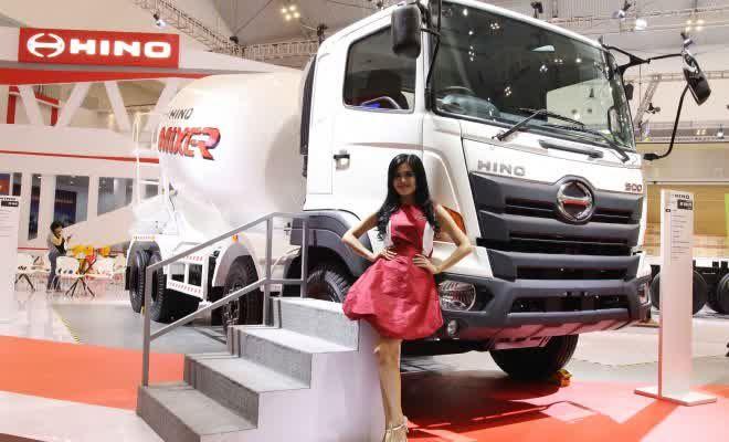 Hino Bawa Truk Molennya Ke GIIAS 2015