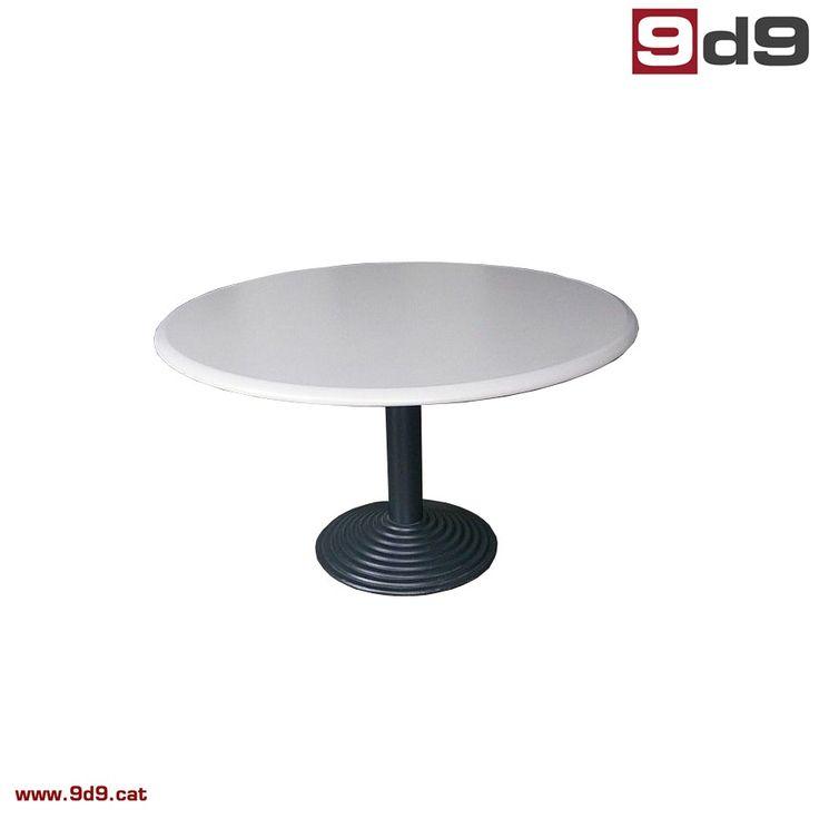 Mesa de juntas para oficina de segunda mano, fabricada en tablero laminado color gris, y pie de columna metálica color gris oscuro.  Diámetro de 120 cm.  PVP 145€