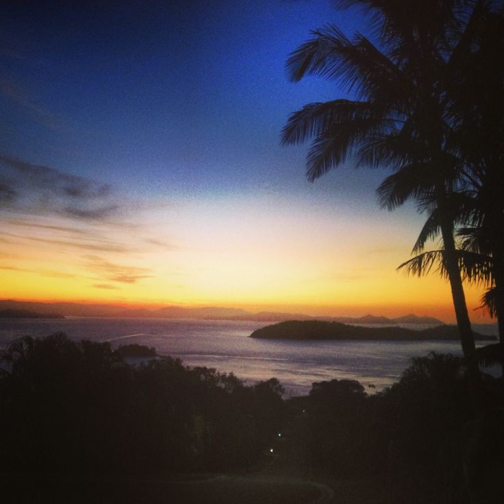 #hamiltonisland one tree hill sunset, stunning!