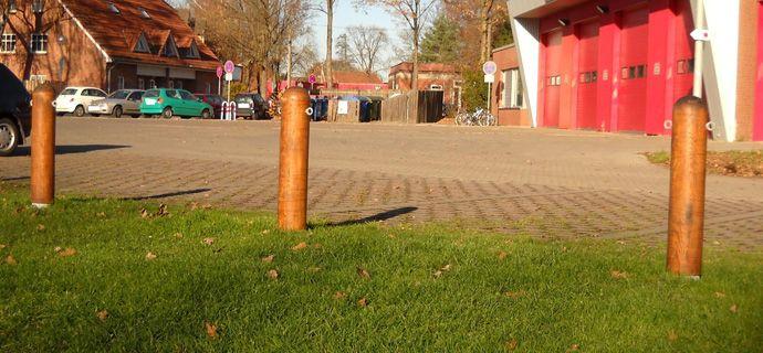 Festplatz/Zellerie Kaltenweide in Langenhagen  Poller, Bollards, Stadtmobiliar , Street Furniture, Strassenmöbel, Stadtmöbel