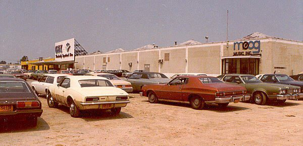 Moog factory in cheektowaga ny 1970s sexy cars outside for Classic house synths