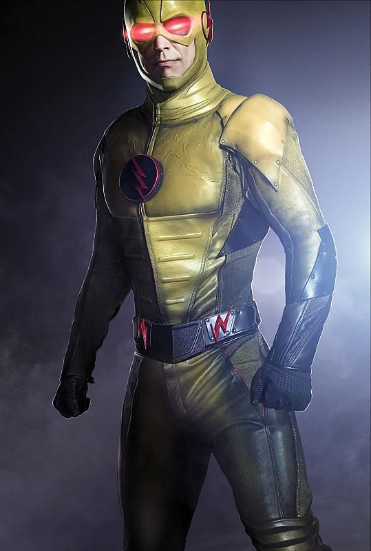 A new image gives us a great look at Reverse-Flash, but is it Harrison Wells in the costume? CAPTAIN COLD AND HEAT WAVE RETURN TO CENTRAL CITY; PEYTON LIST GUEST STARS AS LISA SNART — The Flash (Grant Gustin) learns that Captain Cold (guest star...