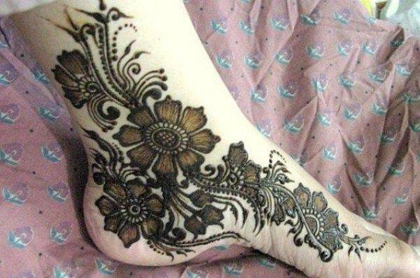 Feet Arabic Mehndi Designs for Women