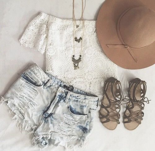 Image via We Heart It #clothes #cute #edgy #fashion #grunge #hippie #hipster #indie #lizzy #outfits #retro #vintage #wear #swagg #lizzy'swardrobe