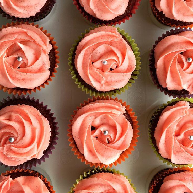 Red velvet cupcakes and cream cheese flower icing