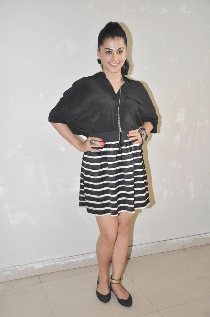 Tapsee Panuu at Chashme Baddor Promotional Event at Mithibai Collage.