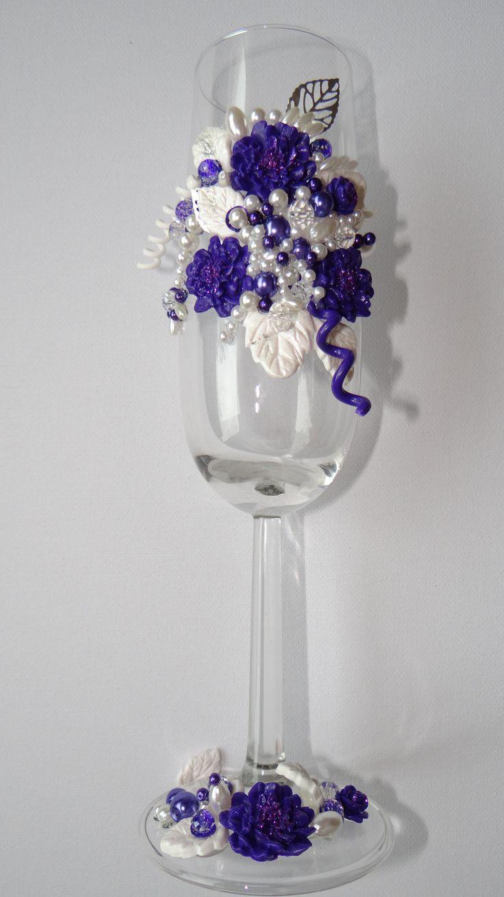 Champagneglas bekleed met Fimo klei.