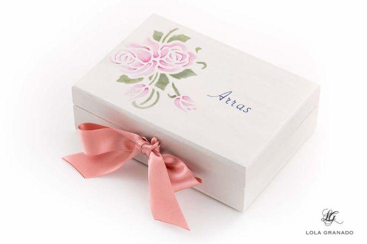 #Caja #arras #Boda Alvaro y Leticia, tema floral, pintada a mano. www.lolagranado.com
