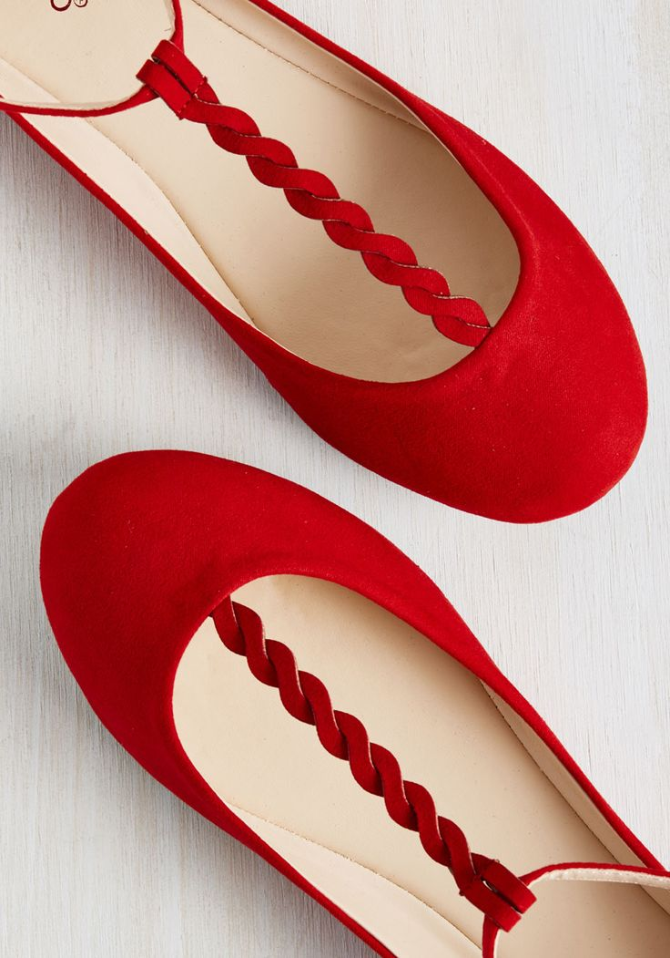 Braid-y Brunch Flat in Red. Meeting up for mimosas with your besties? #red #modcloth