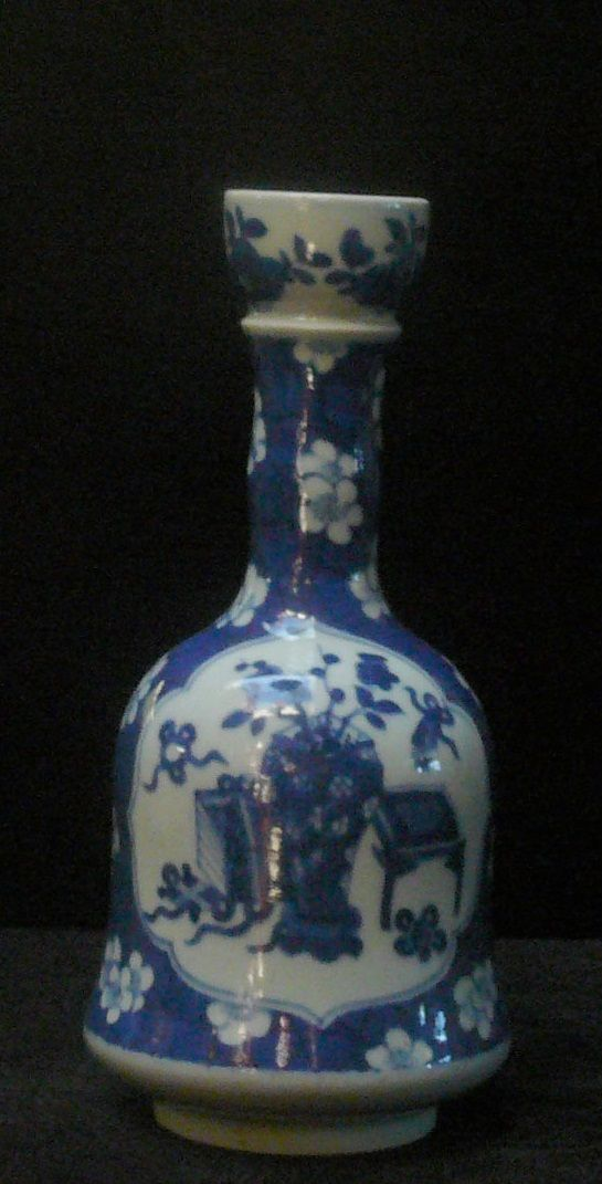 InStyle-Decor.com Chinese Blue & White Porcelain Vases, Beautiful Free Hand Painted Traditional Art Designs, From Jingdezhen China, Porcelain Capitol of the World. Feature accents for living rooms, dining rooms, sideboards, buffets etc. Over 3,500 Classic, Traditional, Modern designs & inspirations, now on line, to enjoy, pin, share & inspire including beautiful furniture, lighting & home décor, home accessories, decorating ideas for interior architects, interior designers & fans