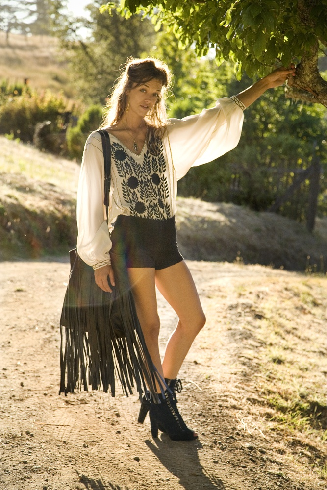No matter what Canyon lifestyle inspires you – be it Topanga, Malibu, Laurel, Beachwood or Benedict, this is your wear-with-all fringe insanity. I get stopped about it every where I go when I wear it and so I decided to make it available for sale. The jaquard lining has two pockets: one 6″W x 6″ [...]