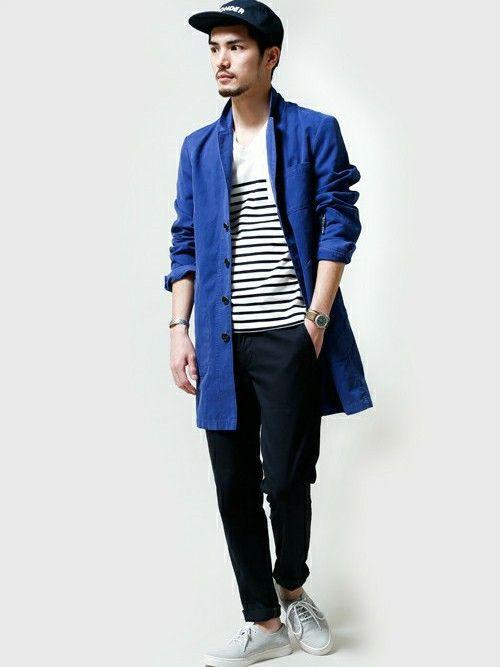 【nano・universe】ショップコートの袖を捲りあげ軽さを意識しています。全体的に落ち着いた色味のアイテムを合わせて、発色の良いコートを際立たせています。 http://zozo.jp/coordinate/?cdid=428783