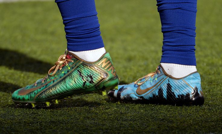 Odell Beckham Jr. Proclaims Himself 'King of New York' with Custom Cleats
