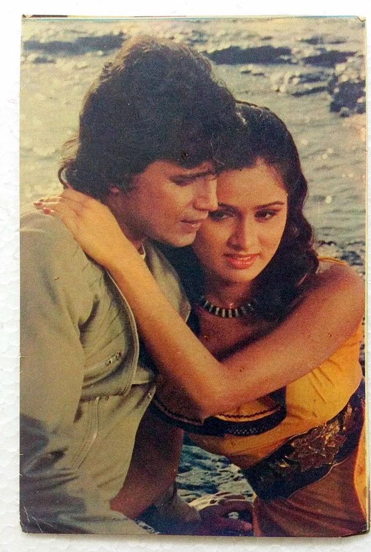 https://www.ebay.com/itm/Bollywood-Padmini-Kolhapure-Mithun-Chakraborty-Rare-Old-Post-card-Postcard/401487366792?hash=item5d7a830a88:g:OBYAAOSwkWdZ0S2m