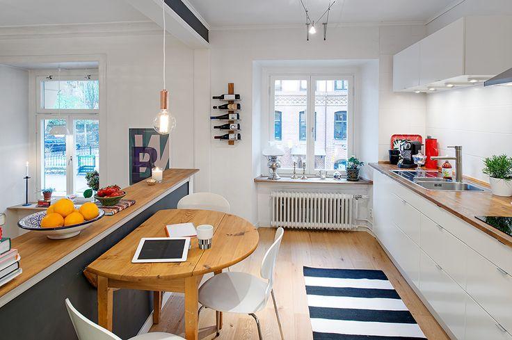 Läckert renoverat kök med öppen planlösning