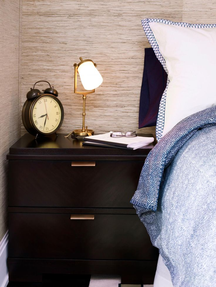 From+vintage+to+grasscloth,+HGTV.com+shares+the+best+online+sources+for+wallpaper.