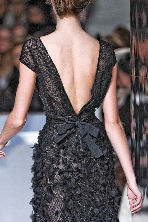 drama in the back ~ ELIE SAAB Spring 2011 Haute Couture